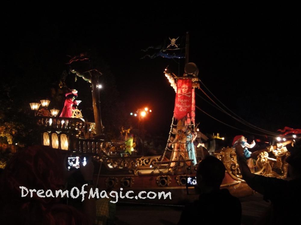 Boo To You Parade 2014-10-31-22-38-17 [WX1]