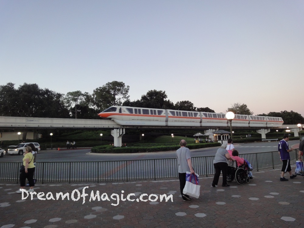 Monorail 2014-10-27-18-55-28 [WX1]