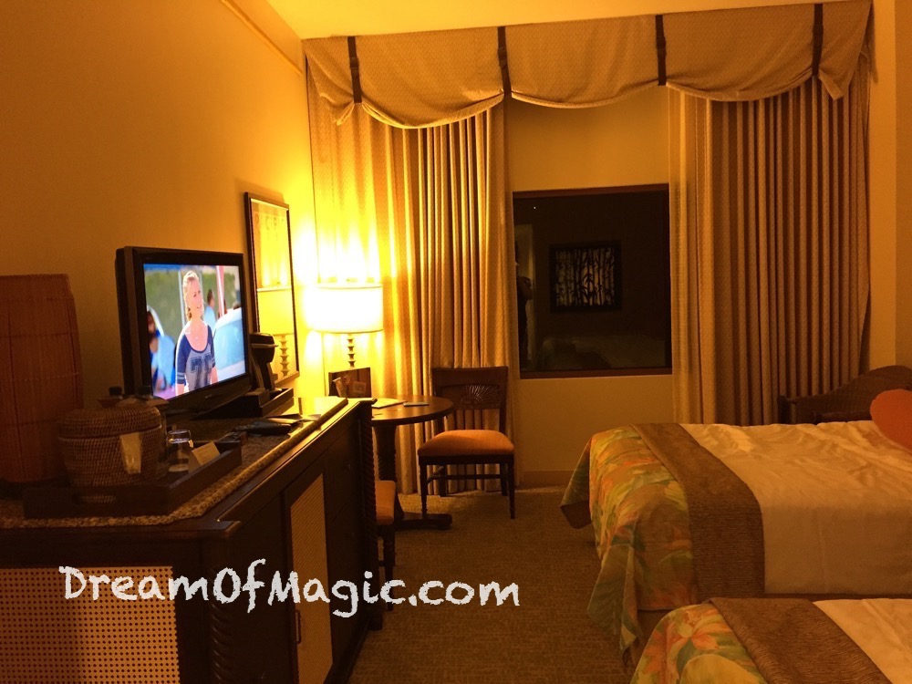 Royal Pacific Resort 2014-10-16-20-12-52 [iPhone 6]